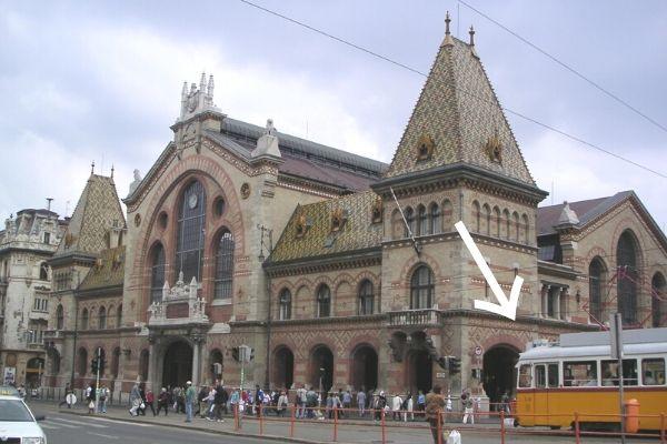 中央市場前の路面電車